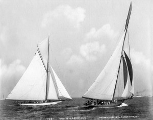 Columbia_Shamrock_1899